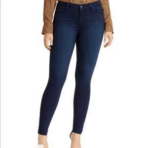 PAIGE denim Hoxton Ankle in Harla wash.